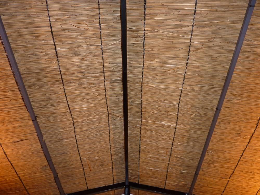 Couverture décorative en roseau de camargue